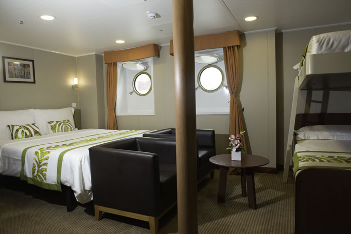 Stateroom-stand-4